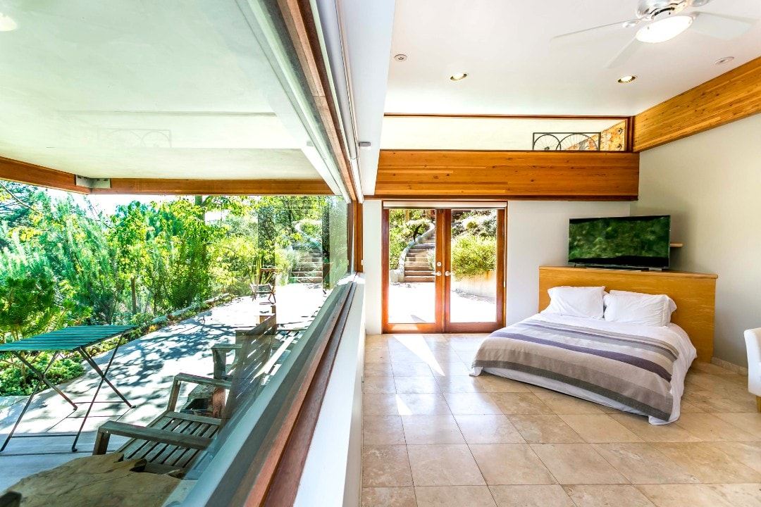Linda-Kasian-Photography-real-estate-photography-malibu-glass-house6